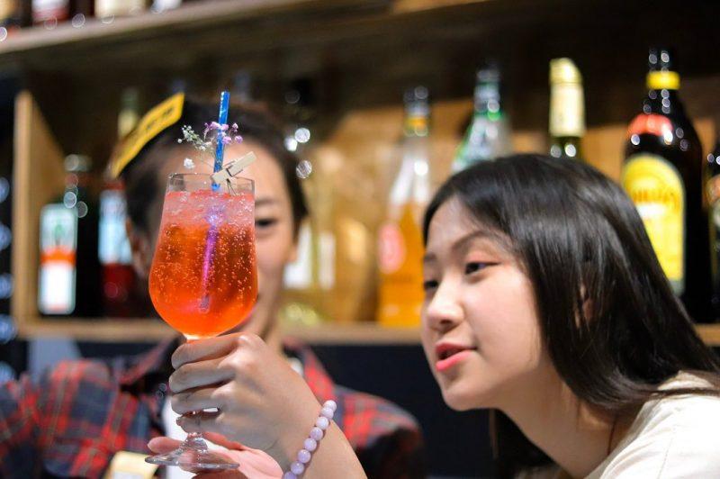 高雄酒吧-客聽cocktail BAR