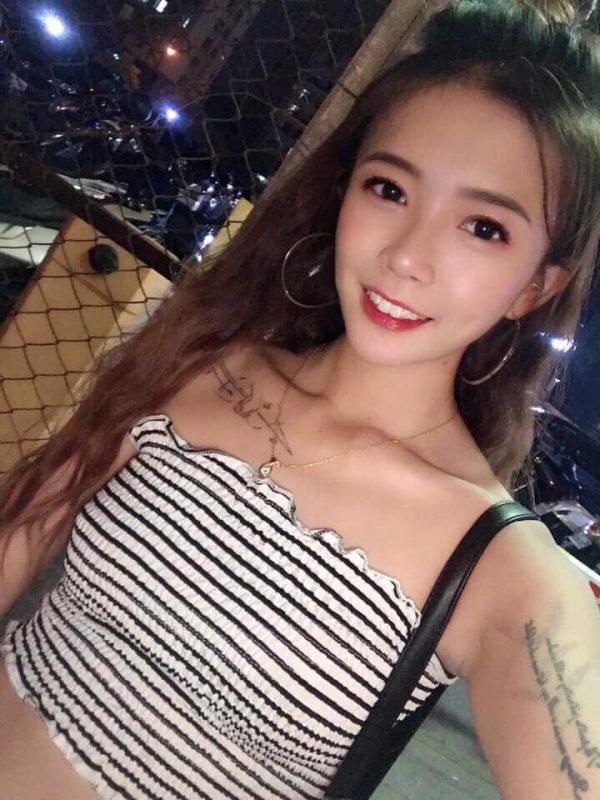 台中酒吧-Moon light 時尚餐酒館